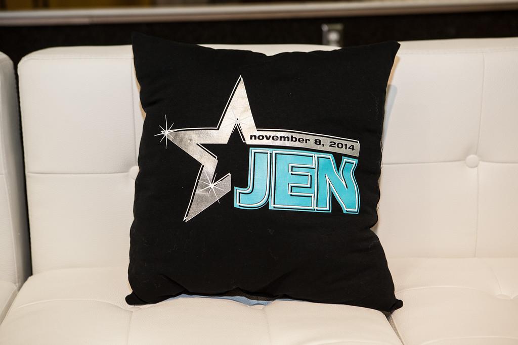 jen-pillow